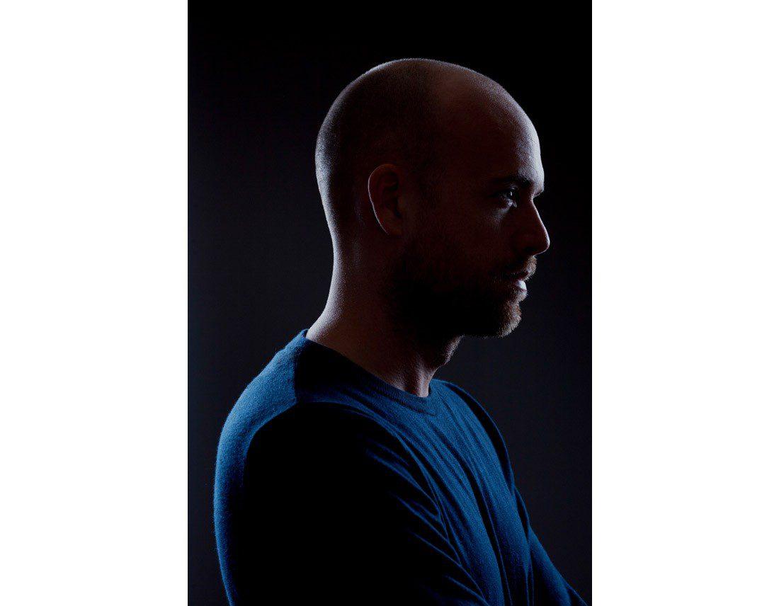 Portrait de Jeremie Kisling en studio.