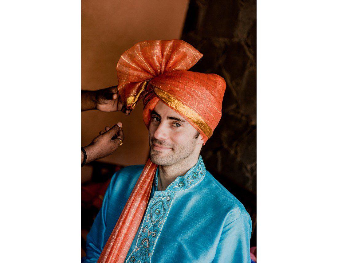 Turbans pour els invités masculins.