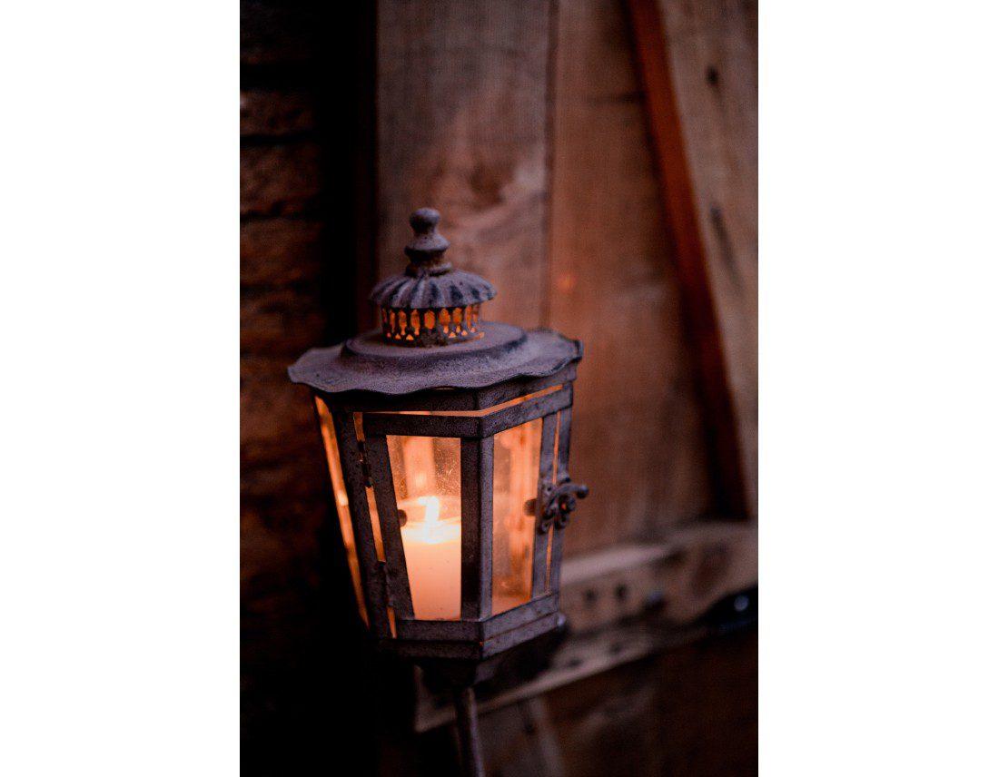 Bougie dans lumignon au manoir de la fresnaye.