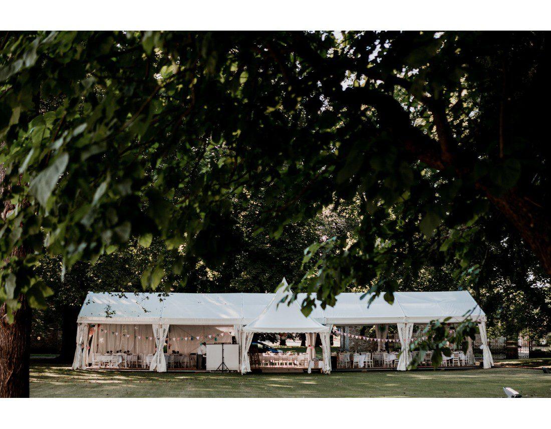 Tente de reception a l'abbaye de vauluisant.