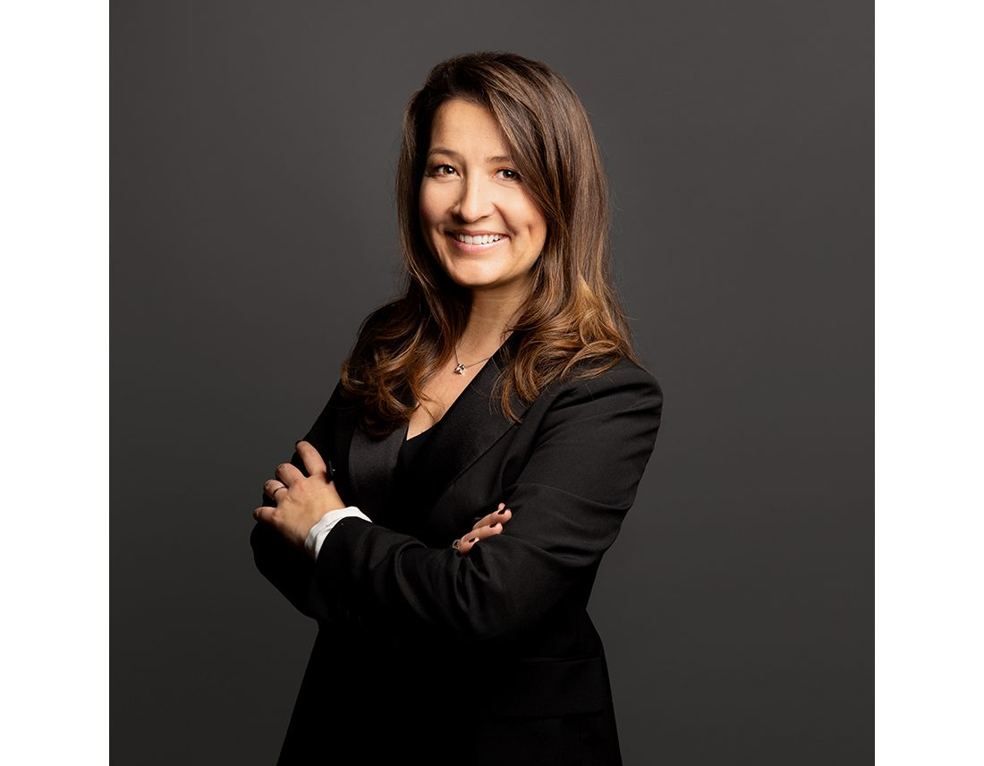 Portrait-femme-corporate-pro-studio-avocate