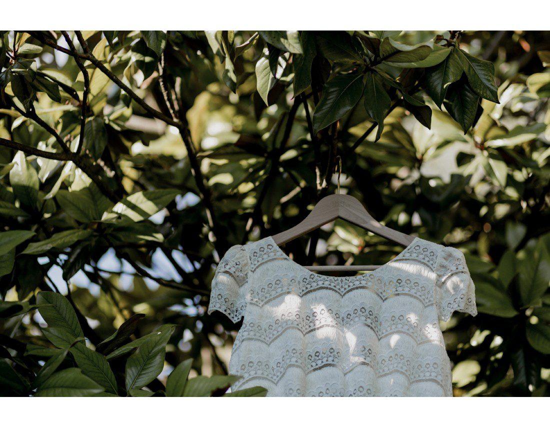 Robe de mariée Laure de Sagazan dans feuillage
