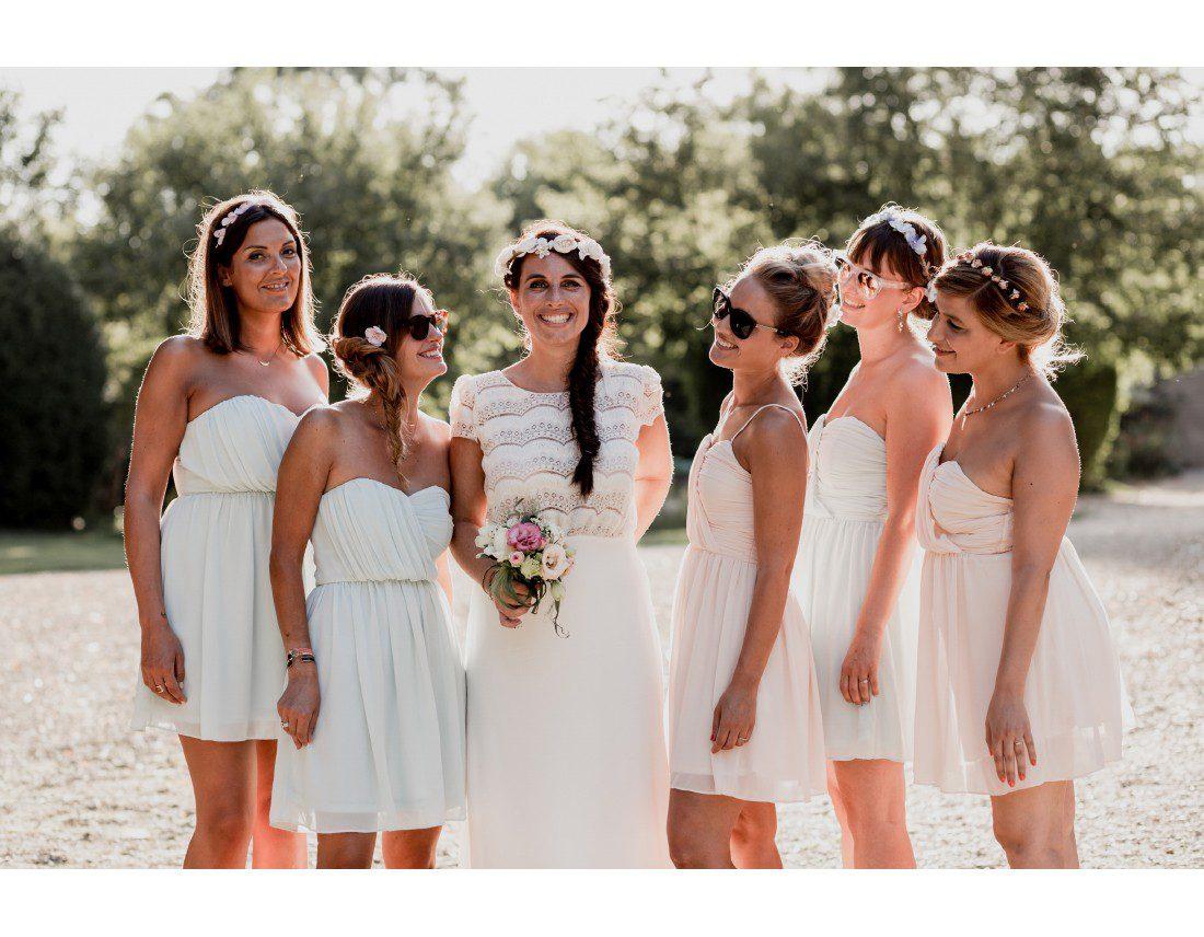 Photo de groupe entre copine au mariage.