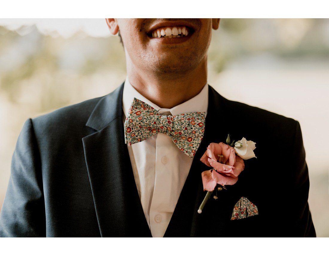 Details de costume du marié.