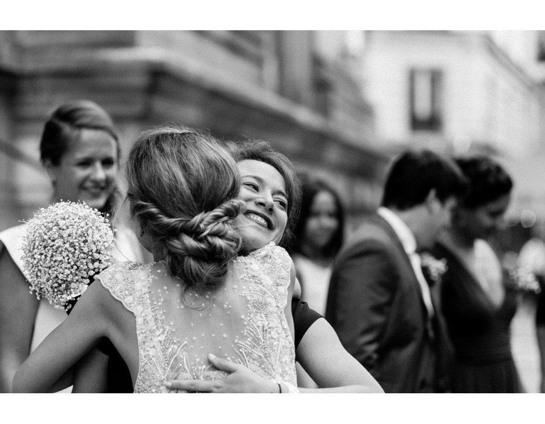 etreinte avec amie, mariage paris