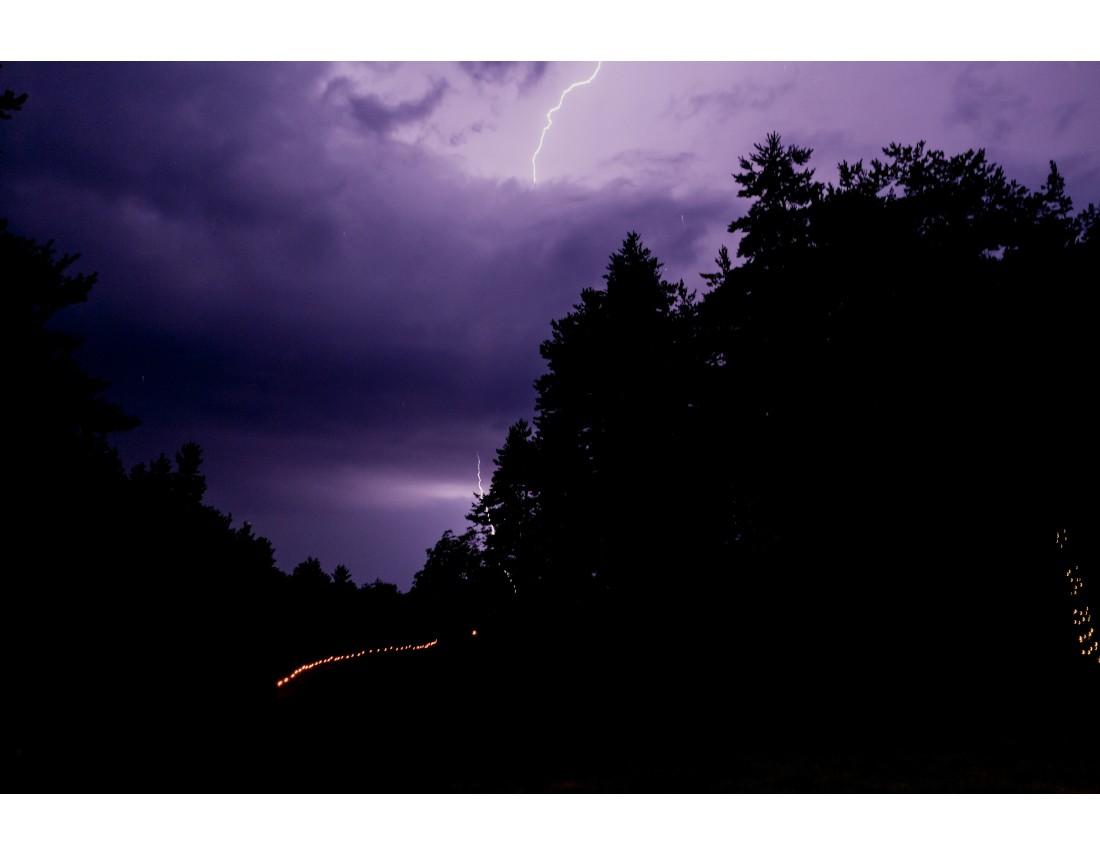 Eclair et orage pendant mariage