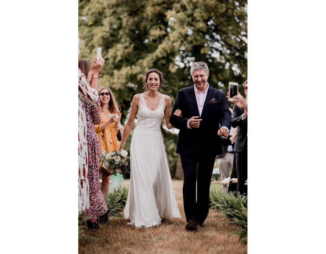 Arrivée de la mariée avec son papa