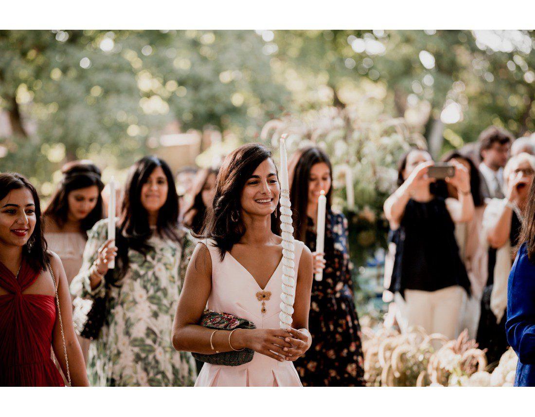 Cérémonie de mariage kabyle avec bougie.