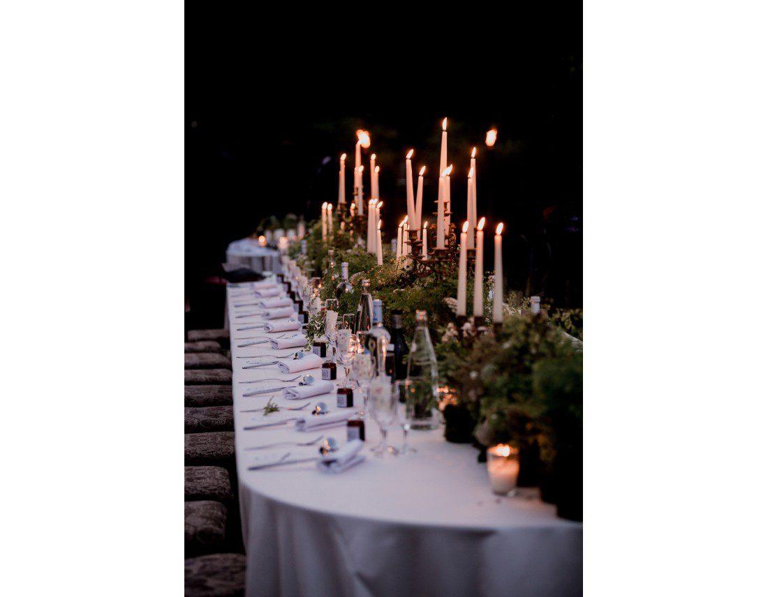 Tables idylliques pour diner aux chandelles.