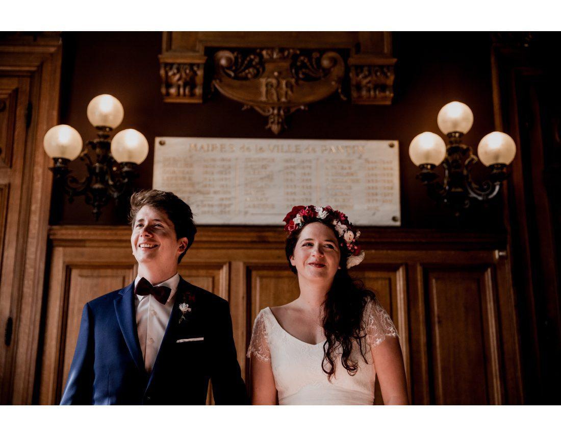 Couple lors de leur ceremonie de mariage a la mairie de St Ouen.