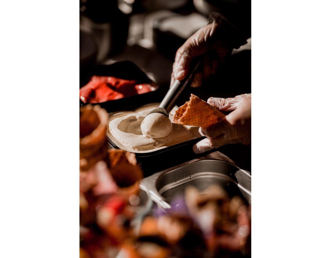 Glace a la vanielle servie lors du goûter de mariage.
