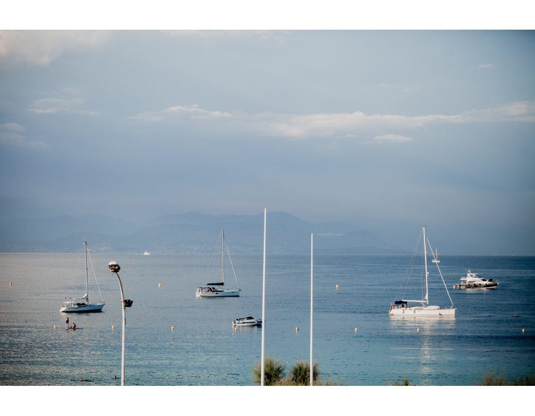 Vue du balcon d ela amriée, bateaux sur la mediterannée.