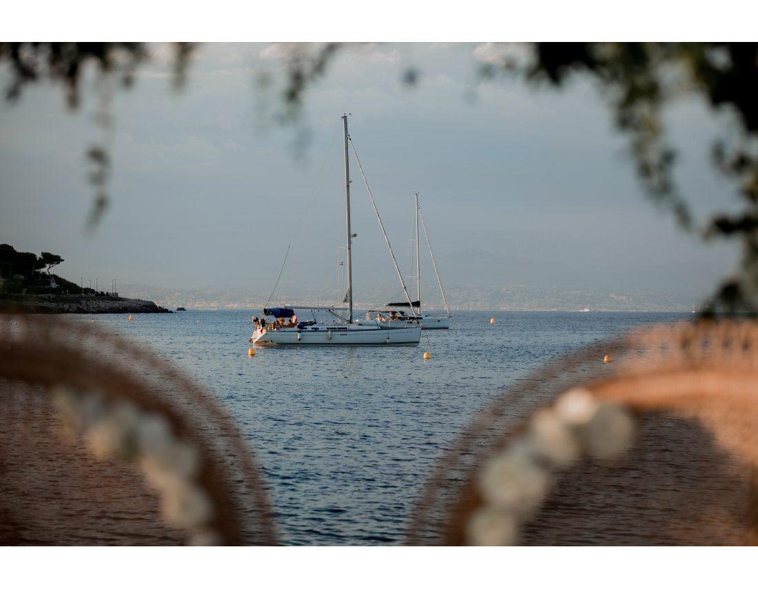 Bateau dans la mer mediterannée.