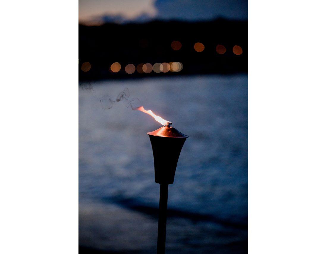 Flambeau au crepuscule