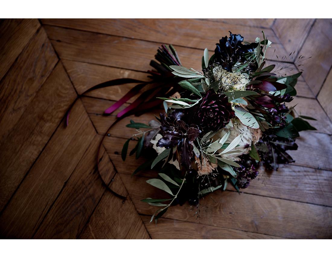 Bouquet de mariées aux fleurs sombres, Atelier Rose Pivoine