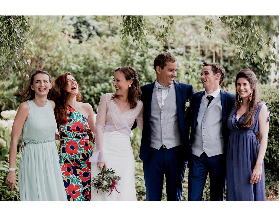 Groupe d'ami a un mariage