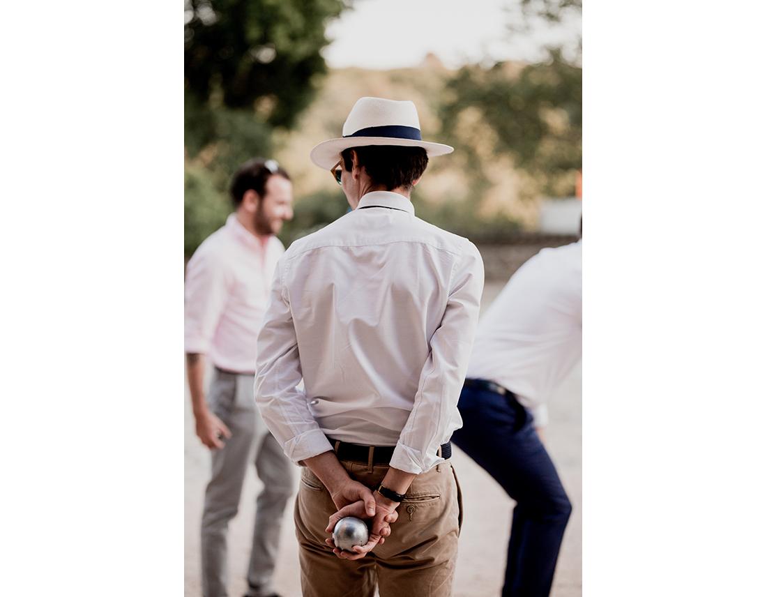 INvité a un mariage, avec boules de petanque.