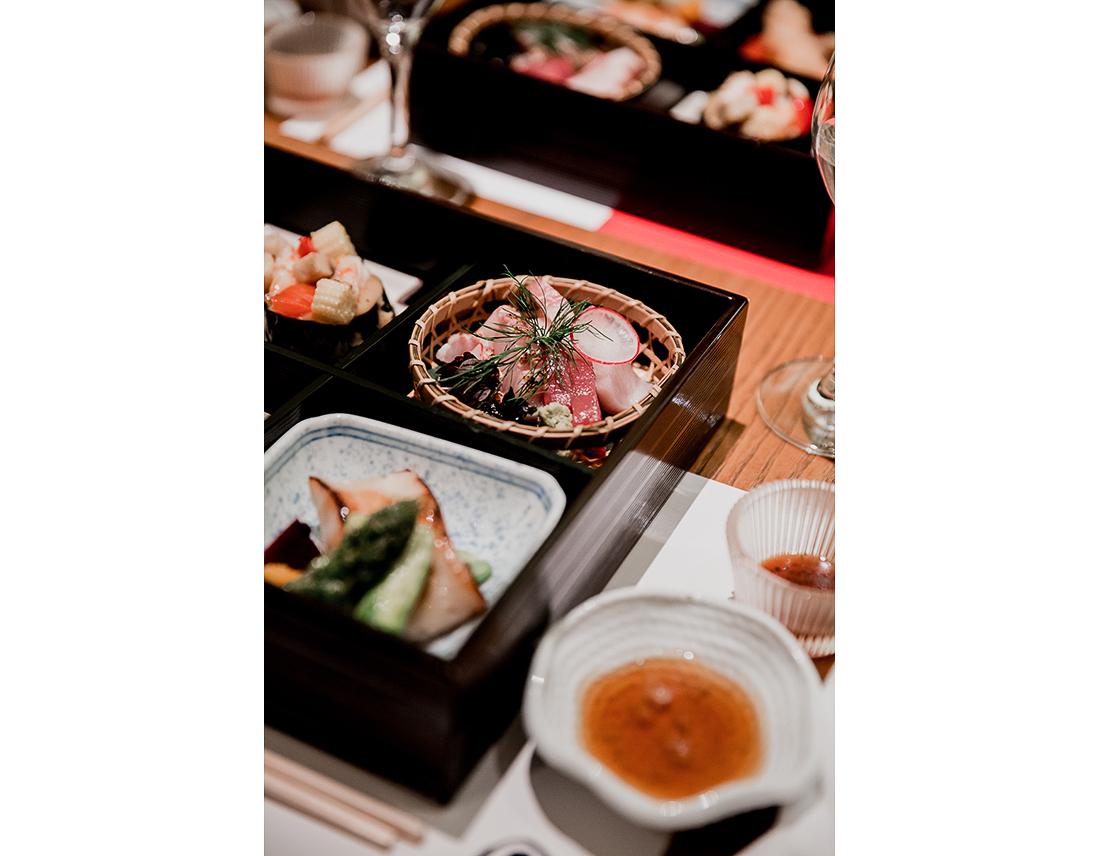 Repas de mariage traditionel japonais, le Yen à Paris. .